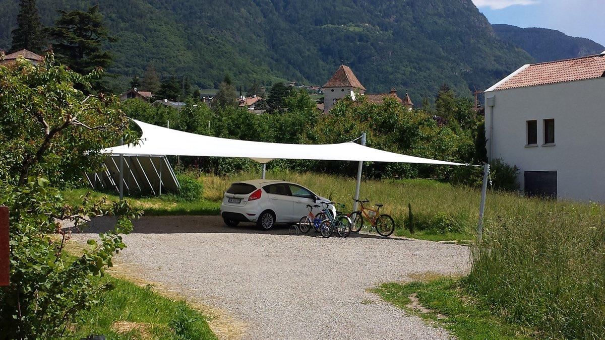 Sonnensegel zum ganzjährigen Einsatz ~ SunSystem KG, Südtirol