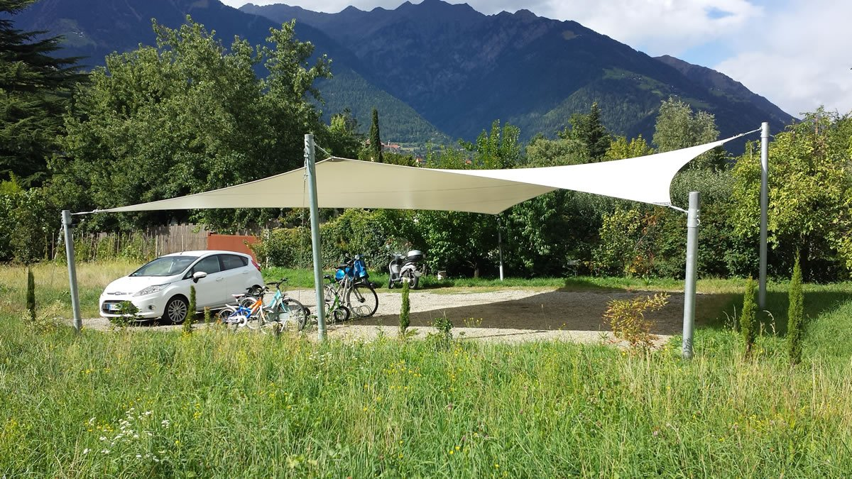 Saisonale sonnensegel flexibler sonnenschutz for Carport freistehend